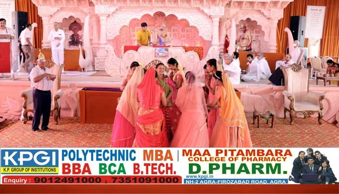 Shri Parshvanath Katha going on in MD Jain inter college ground of Agra#agranews