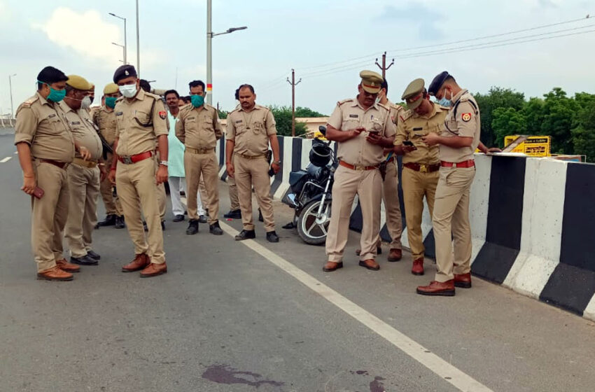 45 year old man shot dead on National Highway in Day light in Agra#agranews