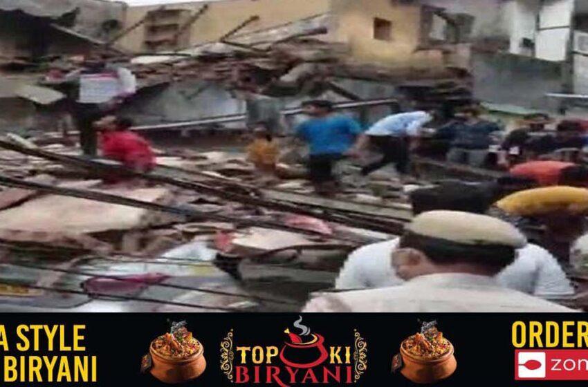 Five-storey building collapses at Sabzi Mandi in Delhi
